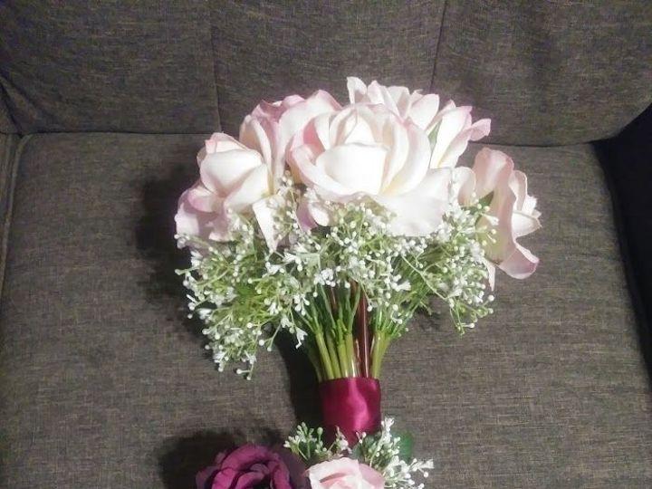 Tmx 1536956617 Bd286994aa83e8fc 1536956617 689d97c14930b835 1536956616851 6 Roses And Baby S B Kenosha, WI wedding florist