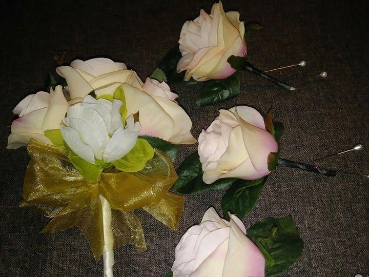 Tmx 1536956795 681b78f91fb5aaab 1536956794 De743121e4865510 1536956794338 12 Peach Rose 2 Kenosha, WI wedding florist