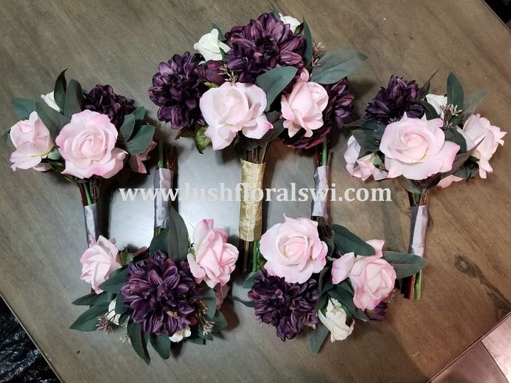 Tmx Picture11 51 949604 157653467797585 Kenosha, WI wedding florist