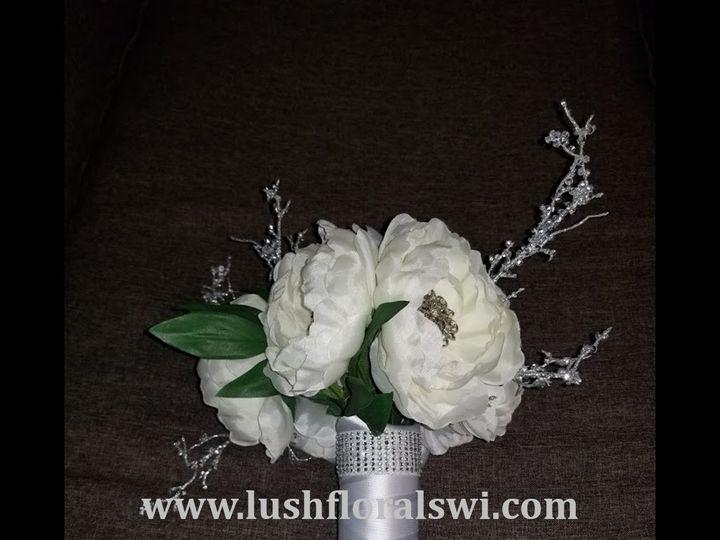 Tmx Picture15 51 949604 157653500880150 Kenosha, WI wedding florist