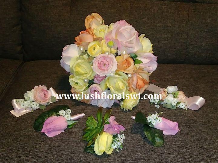 Tmx Picture26 51 949604 157653466844078 Kenosha, WI wedding florist