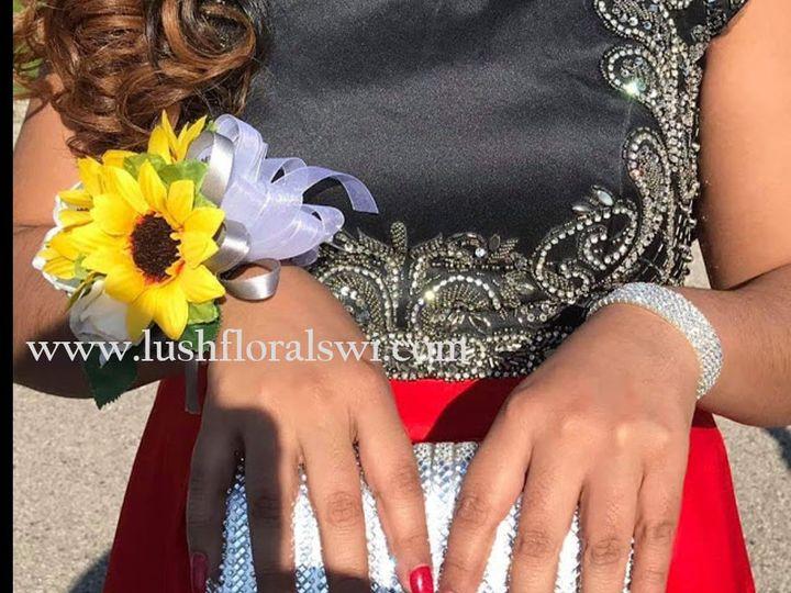 Tmx Picture45 51 949604 157653500476545 Kenosha, WI wedding florist
