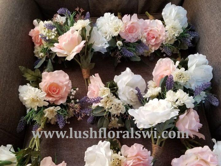Tmx Picture8 51 949604 157653467975237 Kenosha, WI wedding florist