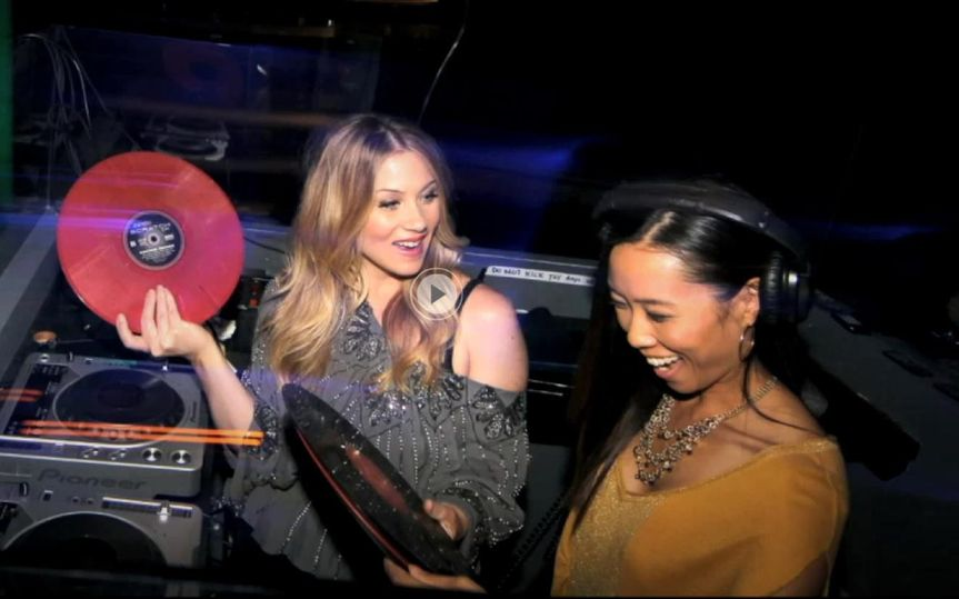 DJ Shy spins for Actress Christina Applegate