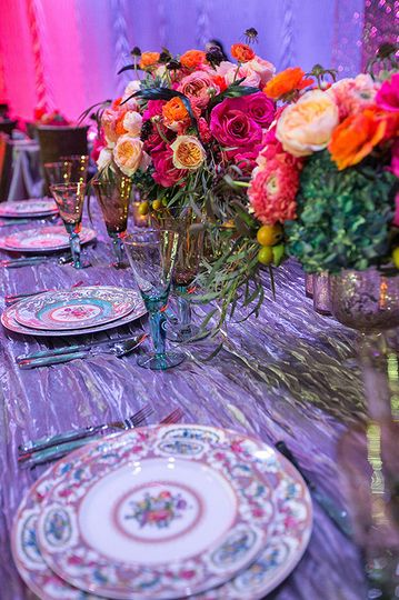 Long table setting with bouquet