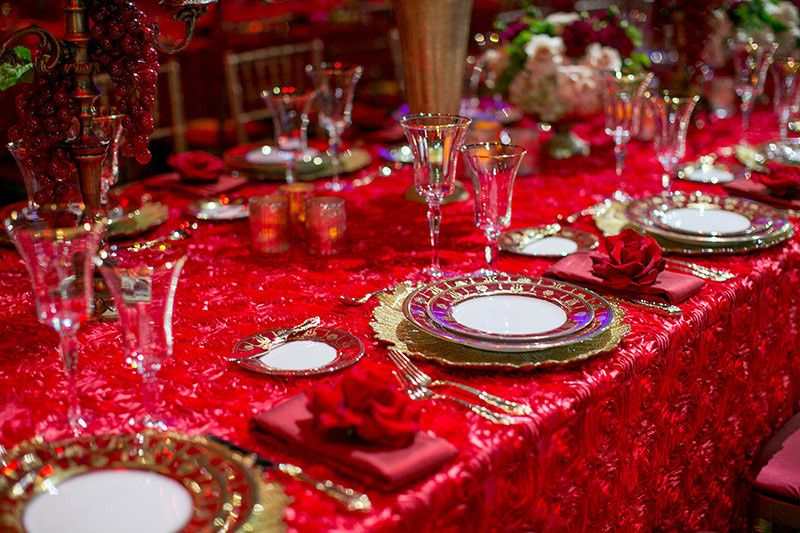 Long table setting with centerpiece