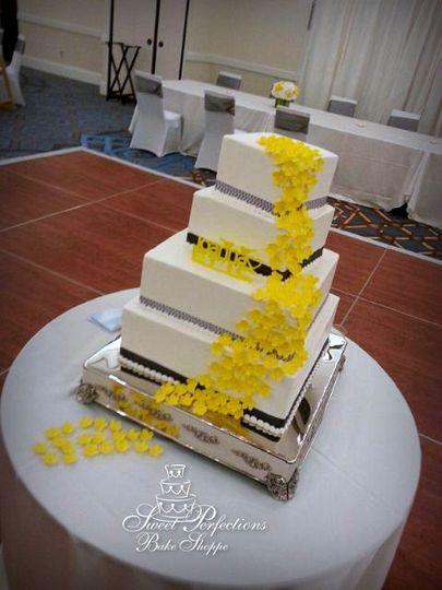 Sweet Perfections Bake Shoppe - Wedding Cake - Waukesha, WI ...
