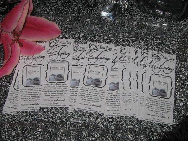 Tara 27sBookDebut006