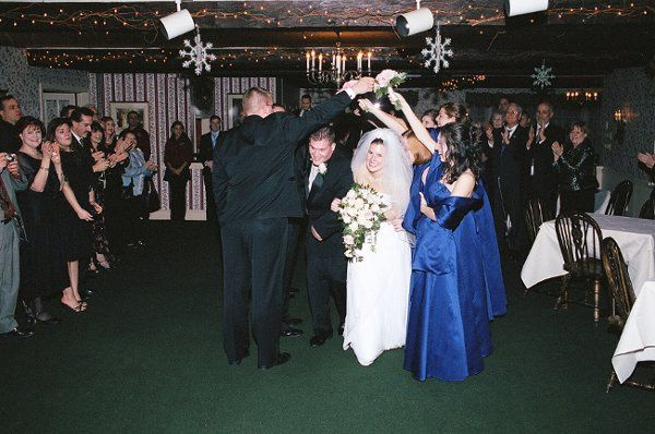 Tunnel made by Bridal Party for a Grand Entrance of the Bride and Groom
