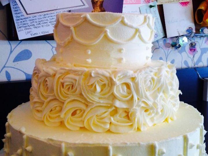 Tmx 1517422282 5e6d22df084e848c 1517422281 Afa4a2c3114e4a06 1517422281285 7 Photo  8  Centerport wedding cake