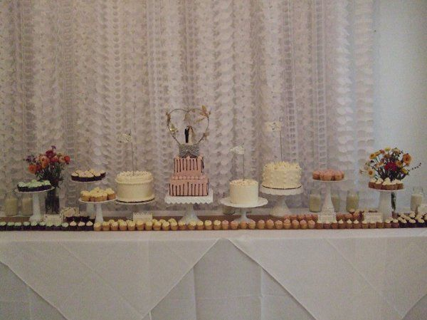 800x800 1255616592349 20090905weddingcakes0015