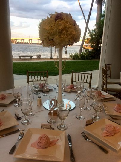 Table setting in pavilion