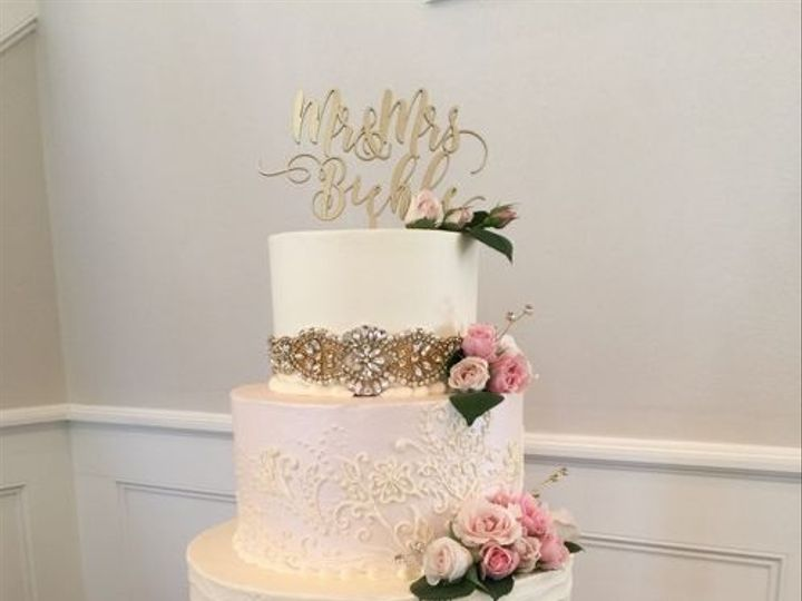 Tmx 1531155345 B81b0ae07874b0fe 1531155344 C513ac60ce439d19 1531155342292 2 Buehle  Houston, TX wedding cake