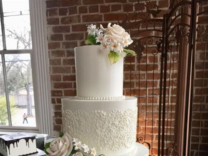 Tmx 1531155367 1fc5f457c07ff0c9 1531155366 7857903f846bfcc1 1531155364191 6 Let There Be Cake  Houston, TX wedding cake