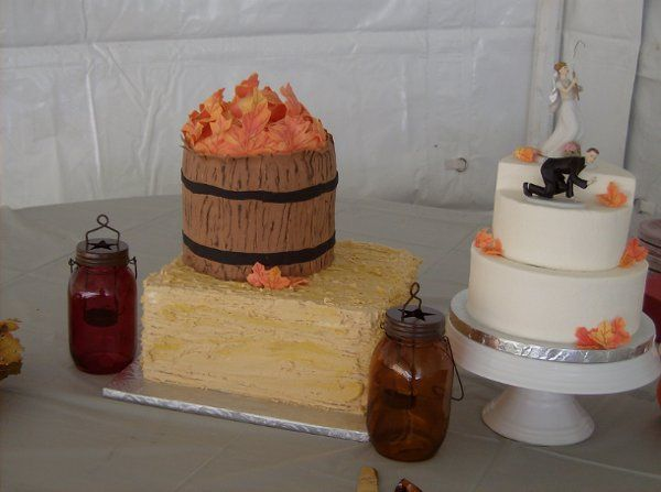 Fall themed wedding cake. Everything is edible!