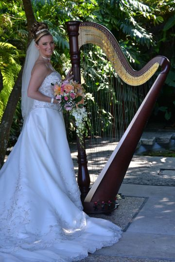 Fairytale wedding at Hollis Garden in Lakeland Florida #hollisgarden #hollisgardens