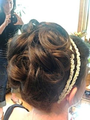 Updo and hairband details