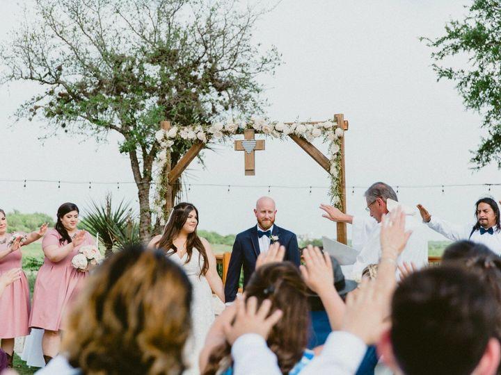 Tmx 1528041110 1e1534a7c4694a3f 1528041109 8041fe8024e44bd5 1528041107361 10 4C7DCCDE 2DC5 4B9 San Antonio, TX wedding beauty