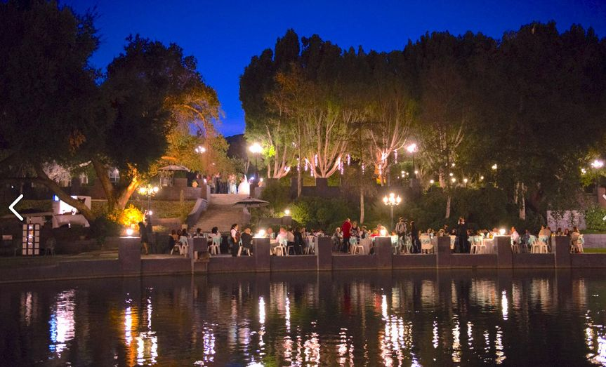 800x800 1501979482460 lakeside night dining