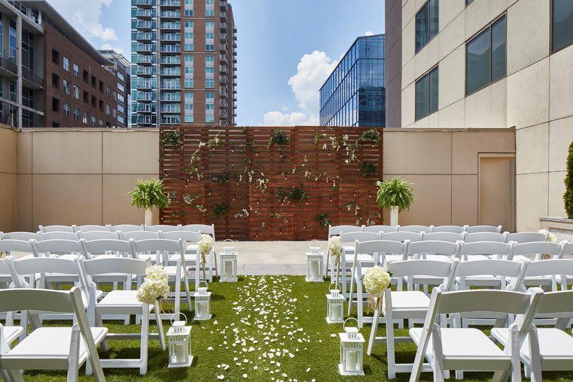outdoor wedding ceremony 51 456114 1559744007