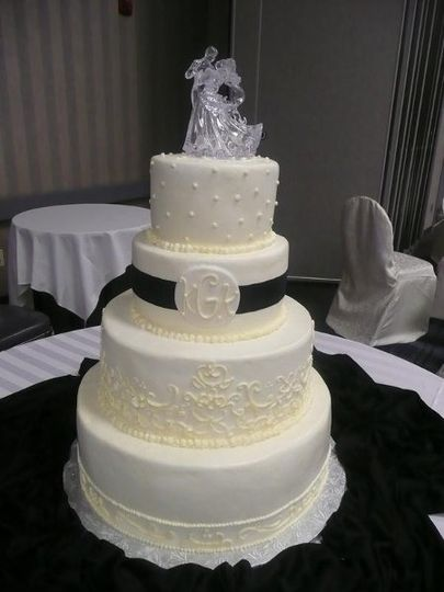 Cakes by Cecile Wedding Cake Columbus OH WeddingWire