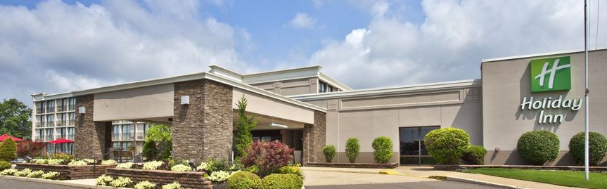 Exterior view of the Holiday Inn Akron-West