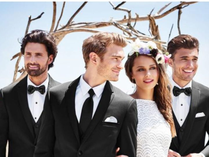 Tmx 1537988319 B0ae54d36bf4c456 1537988317 6bb381e237c7359b 1537988313317 5 74E08143 97D0 4843 Mission Viejo wedding dress