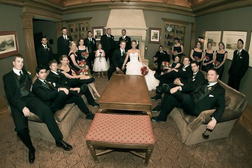 800x800 1429644679336 wedding party in living room
