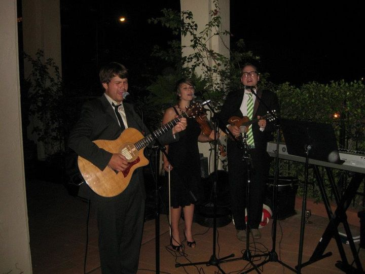 Wedding gig with guests