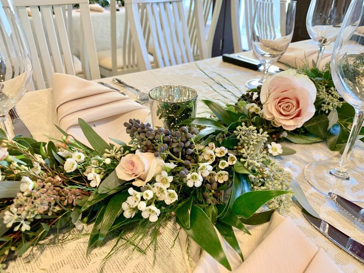 Tmx Fullsizeoutput 1318 51 172314 158881240760334 Block Island, RI wedding florist