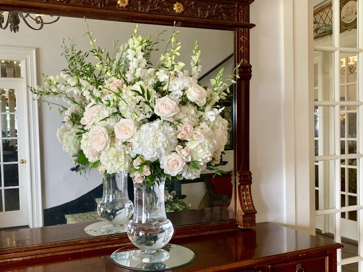 Tmx Fullsizeoutput 175a 51 172314 158881511021867 Block Island, RI wedding florist