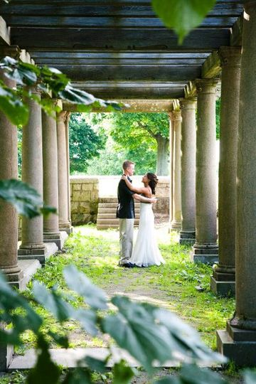 "Newlyweds amid the ""ruins"" of the Larz Anderson Park at the ""Top of the Hill""."