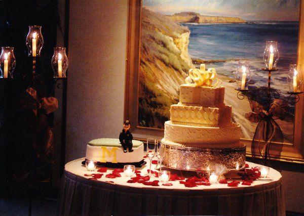 Wedding Cake and Groom Cake Duo