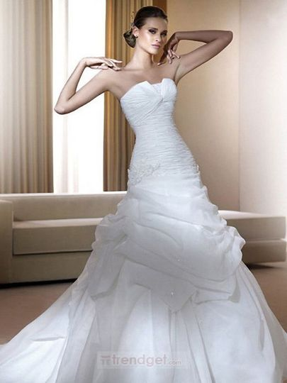 Product Name: Unique Ball Gown Sweetheart White Wedding Dress Floor-length Organza Item Code:...