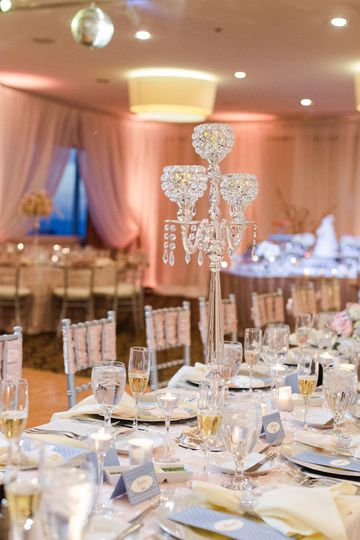 Table setting - Photo: Ailyn La Torre Photography