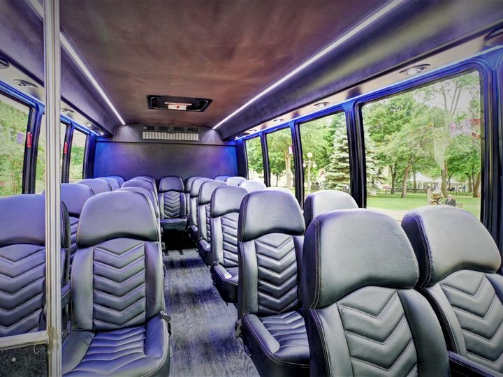 Tmx Coach 10 Int 2 2 51 37414 158593682355728 Saint Paul, Minnesota wedding transportation