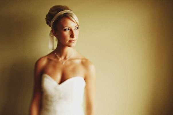 Bridal dress and hairpiece