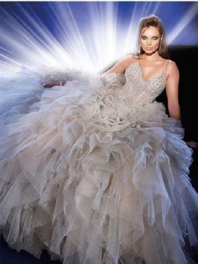 Top Wedding Gowns Picked for 2009