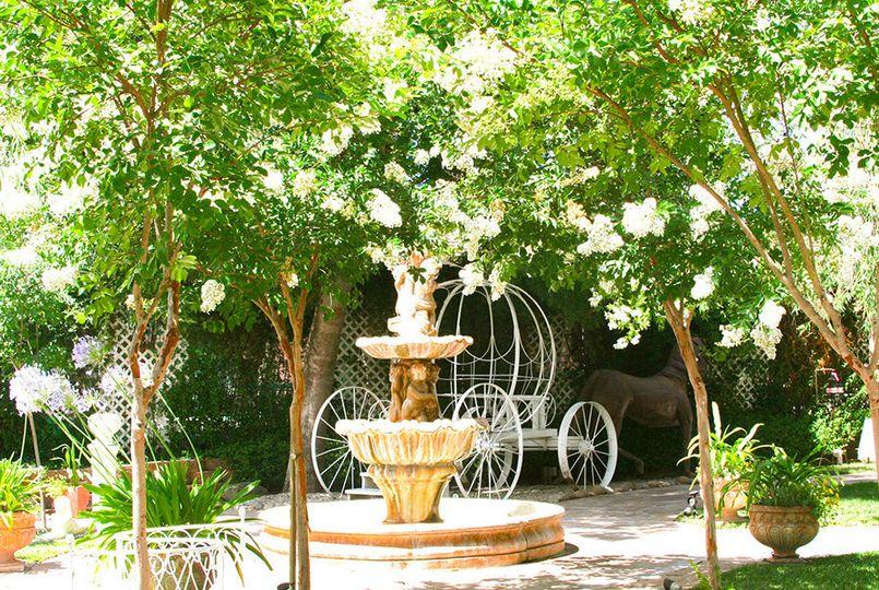 Del rio vista garden venue escalon ca weddingwire for Koi garden rio di pusteria