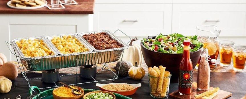 Mac Bar served with Salad