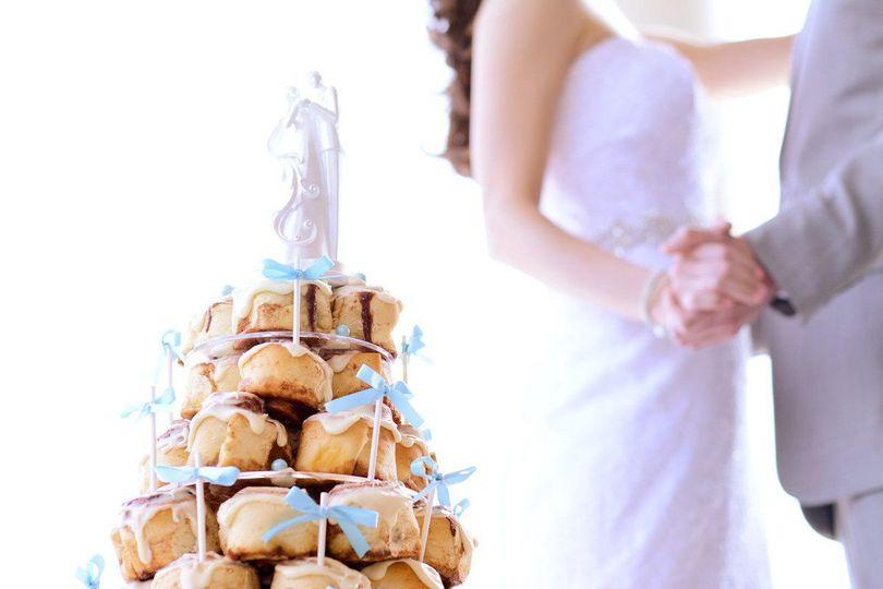 Cinnabon minibon tower cake