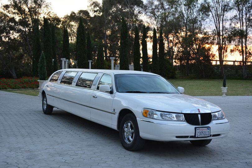 10 Passenger Lincoln Continental Stretch white wedding limo Sacramento