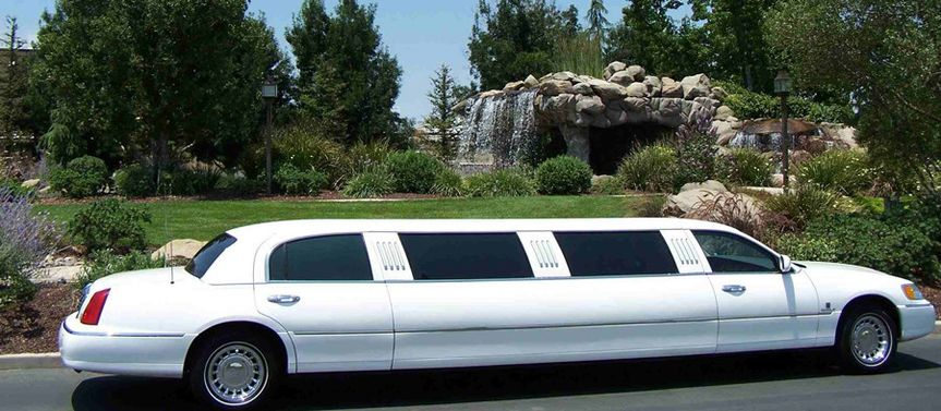 10 passenger Lincoln Continental Stretch White Wedding Limo