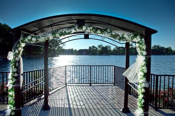 Beautiful ceremony backdrop