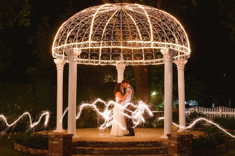 Couple's romantic dance