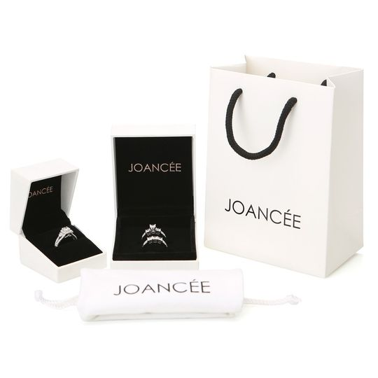 Luxurious gift package