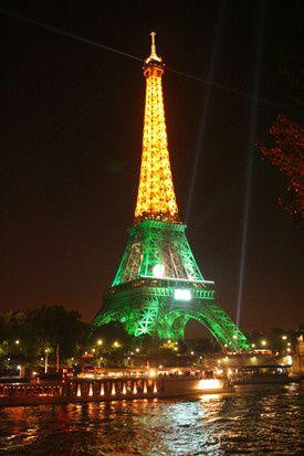 72eiffel tower at night