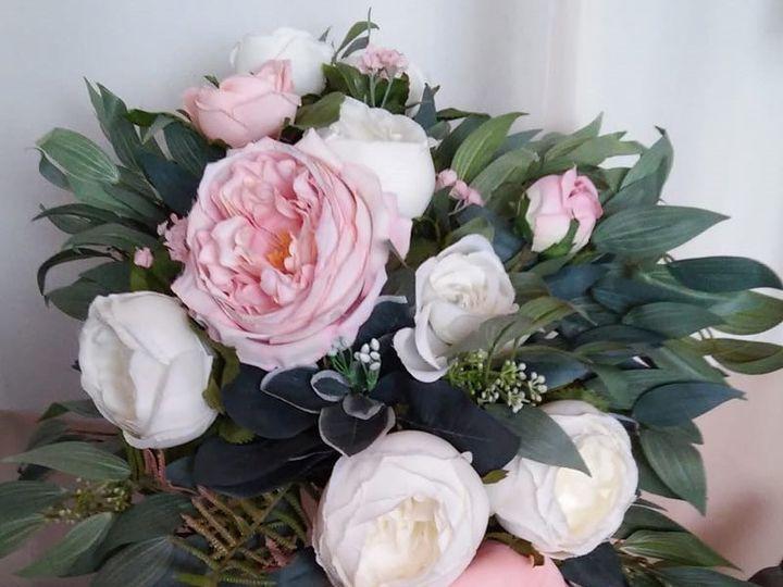 Tmx Flowers 2019 21 51 577614 158300407270556 Cedar Rapids, IA wedding florist