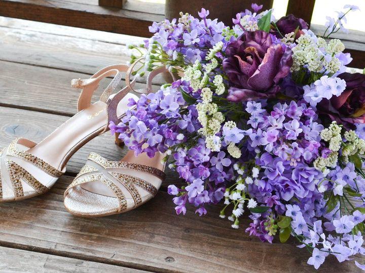Tmx Lavendar Five 51 577614 158334858233352 Cedar Rapids, IA wedding florist