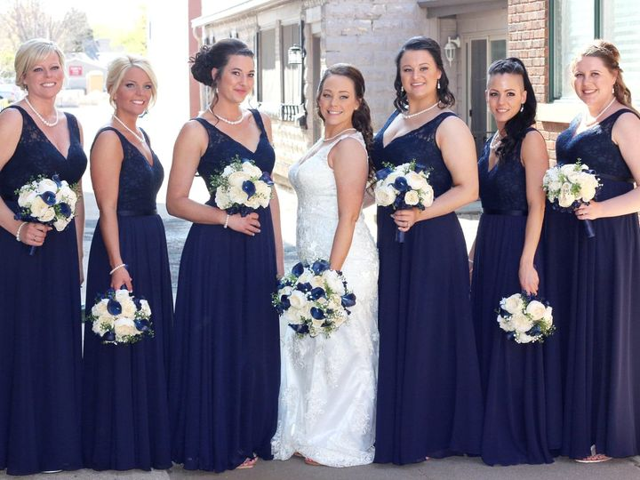 Tmx Lin Navy 51 577614 158335076477073 Cedar Rapids, IA wedding florist